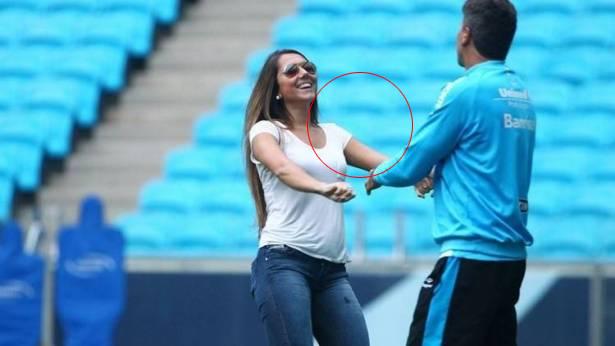 حسناء برازيلية تتسبب في معاقبة فريق والدها وخسارته 30 ألف ريال لهذا السبب الغريب !