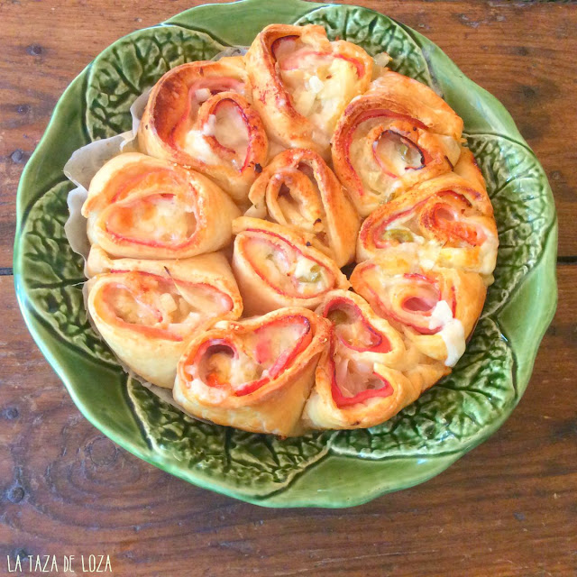 Empanada de jamñon, queso en rolls