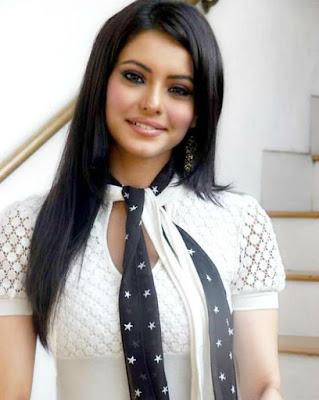 Aamna Sharif Beautiful HD Wallpaper Free