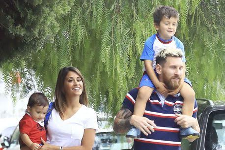 Lionel Messi picks up his son from school looking stylish (photos)