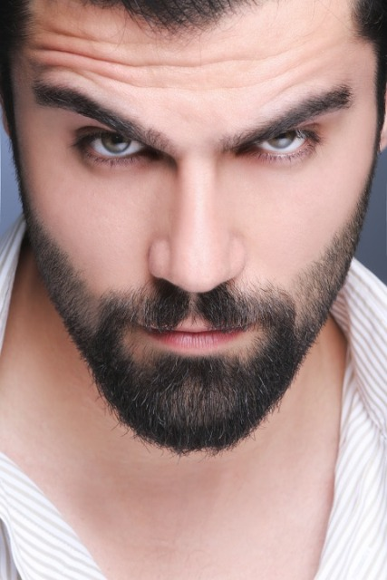 prendersi cura della barba con regolabarba philips