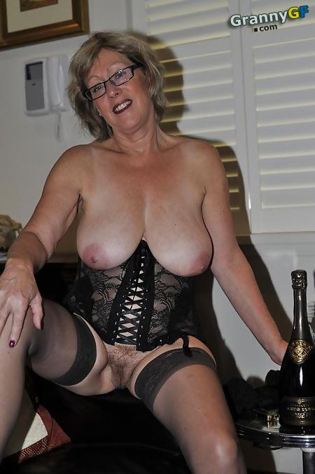 Nice Mature Ladies 112