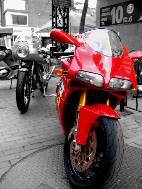 Ducati 900 Super Sport and 916
