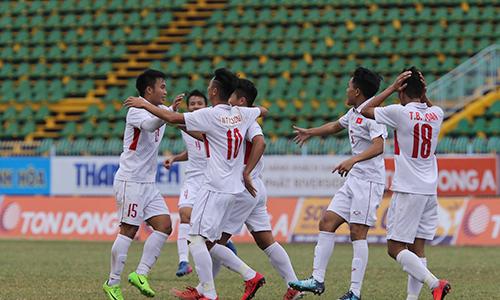 Ba phút ghi ba bàn thắng nhưng U19 Việt Nam mất vé vào chơi trận tranh hạng ba vì bàn thua phút cuối. Ảnh: Quang Liêm.