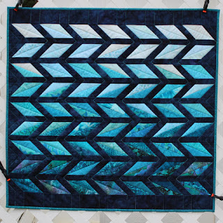 Diamond-Chevron-Wall-Quilt