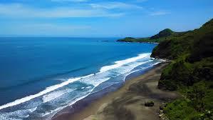 """Cerita Pendek (Cerpen) """"Liburan Bersama Teman ke Pantai Surumanis"""""""