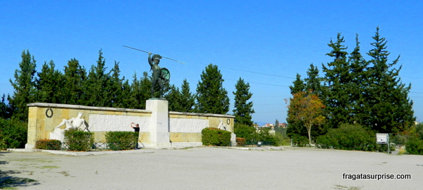 Monumento a Leônidas e os 300 de Esparta nas Termópilas, Grécia