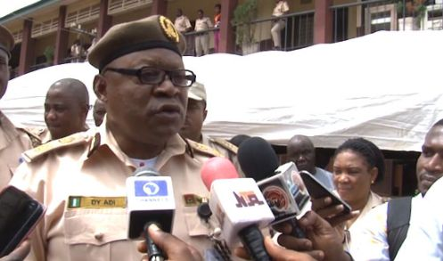 Nigeria Immigration arrests 400 illegal immigrants in Edo