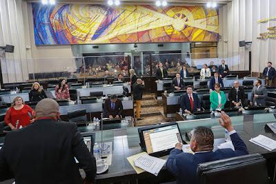 Propone mejora regulatoria en el Poder Legislativo