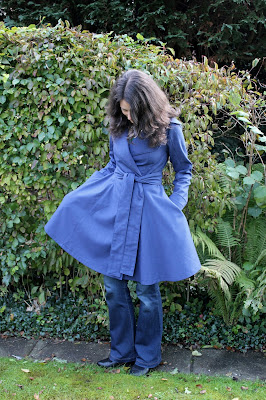 http://misshendrie.blogspot.nl/2017/11/colette-lady-grey-summer-coat.html