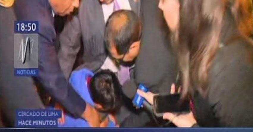 Congresista Moisés Guía Pianto salió en defensa de un profesor que estaba siendo detenido por la policía
