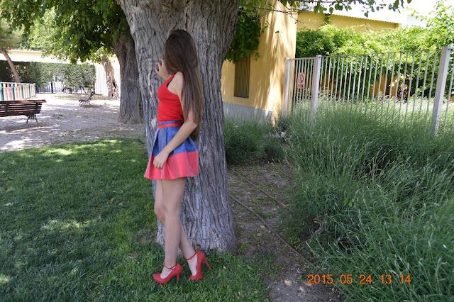 http://www.patronycostura.com/2015/05/diy-falda-de-tablas-tema-103.html