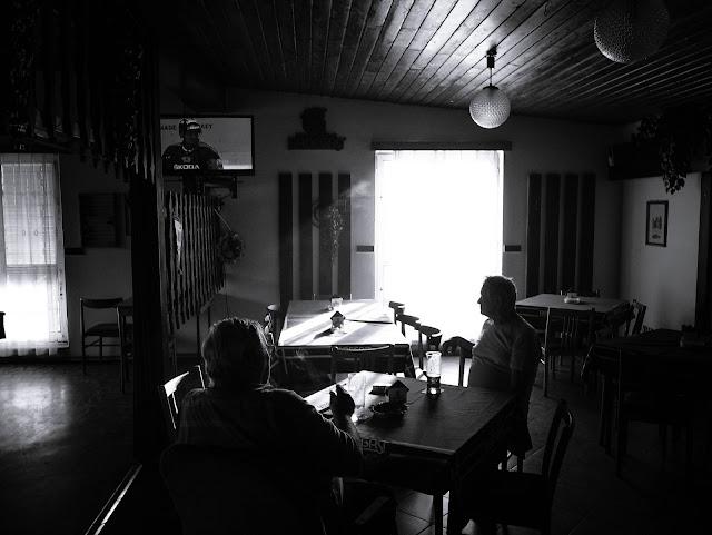 documentary photography, pub