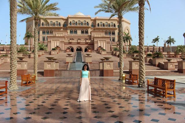abbigliamento consono negli emirati arabi