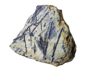 Cristales de antimonita sobre roca matriz - habitos de formacion - foro de minerales