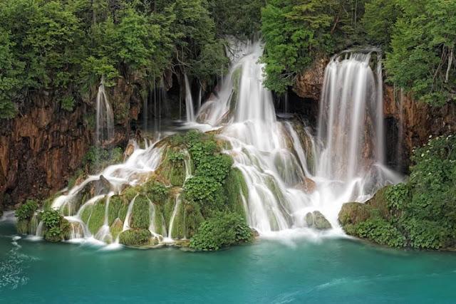 جولة سياحية أجمل البلاد مستوى العالم كرواتيا بليتفيتش Waterfalls-of-Plitvice-Croatia.jpg