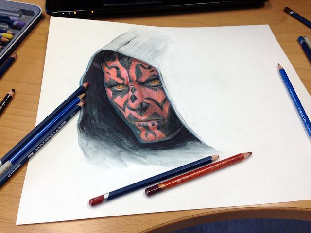 Darth Maul tatuado con sus colores primordiales: el rojo y el negro