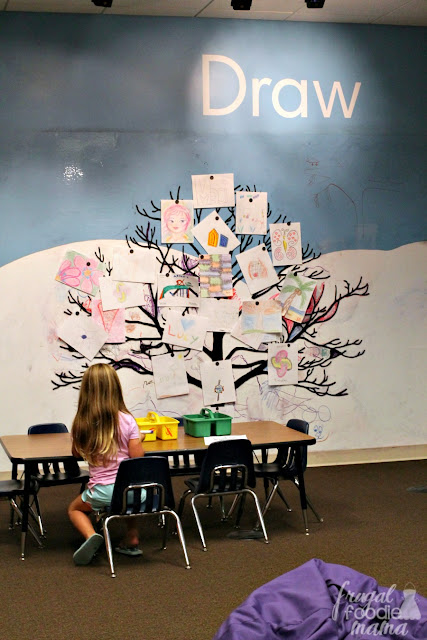 """While most of the Fort Wayne Museum of Art is a big ole """"please don't touch"""" area (& understandably so), there is one area of the museum that is 100% hands-on: the Early Learning Center specifically designed for kids through age 8."""