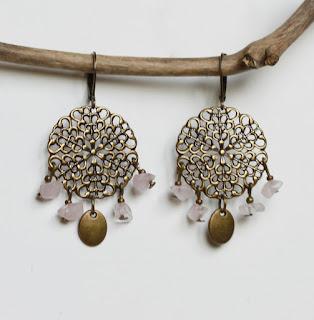 https://www.alittlemarket.com/boucles-d-oreille/fr_boucles_d_oreilles_orientales_quartz_rose_et_bronze_-20114083.html