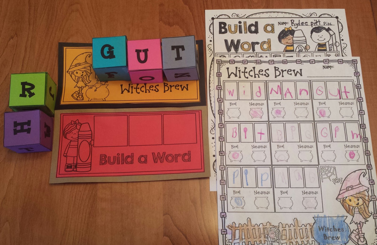 Worksheetjunkie Cvc Roll And Build A Word Centers