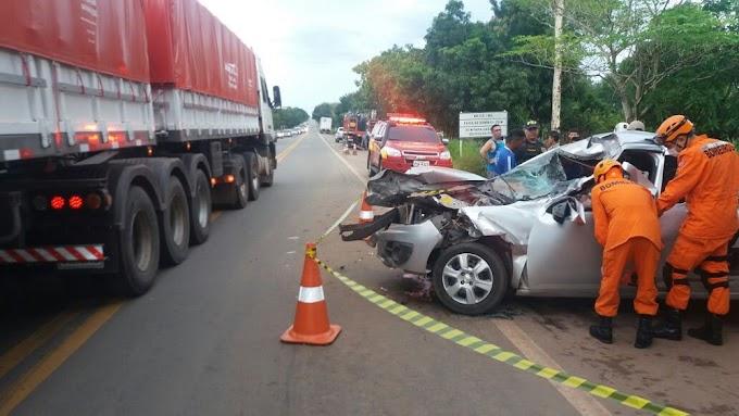 Homem morre após carro bater na traseira de caminhão na BR-135 no MA