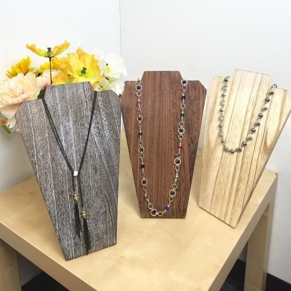 Best Necklace Displays for Summer | NileCorp.com