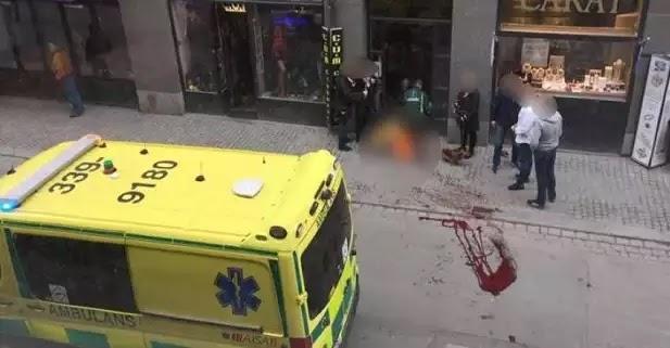 Φορτηγό αυτοκτονίας με ισλαμιστή οδηγό «θέρισε» ανθρώπους στη Στοκχόλμη! - Τουλάχιστον 3 νεκροί (βίντεο)
