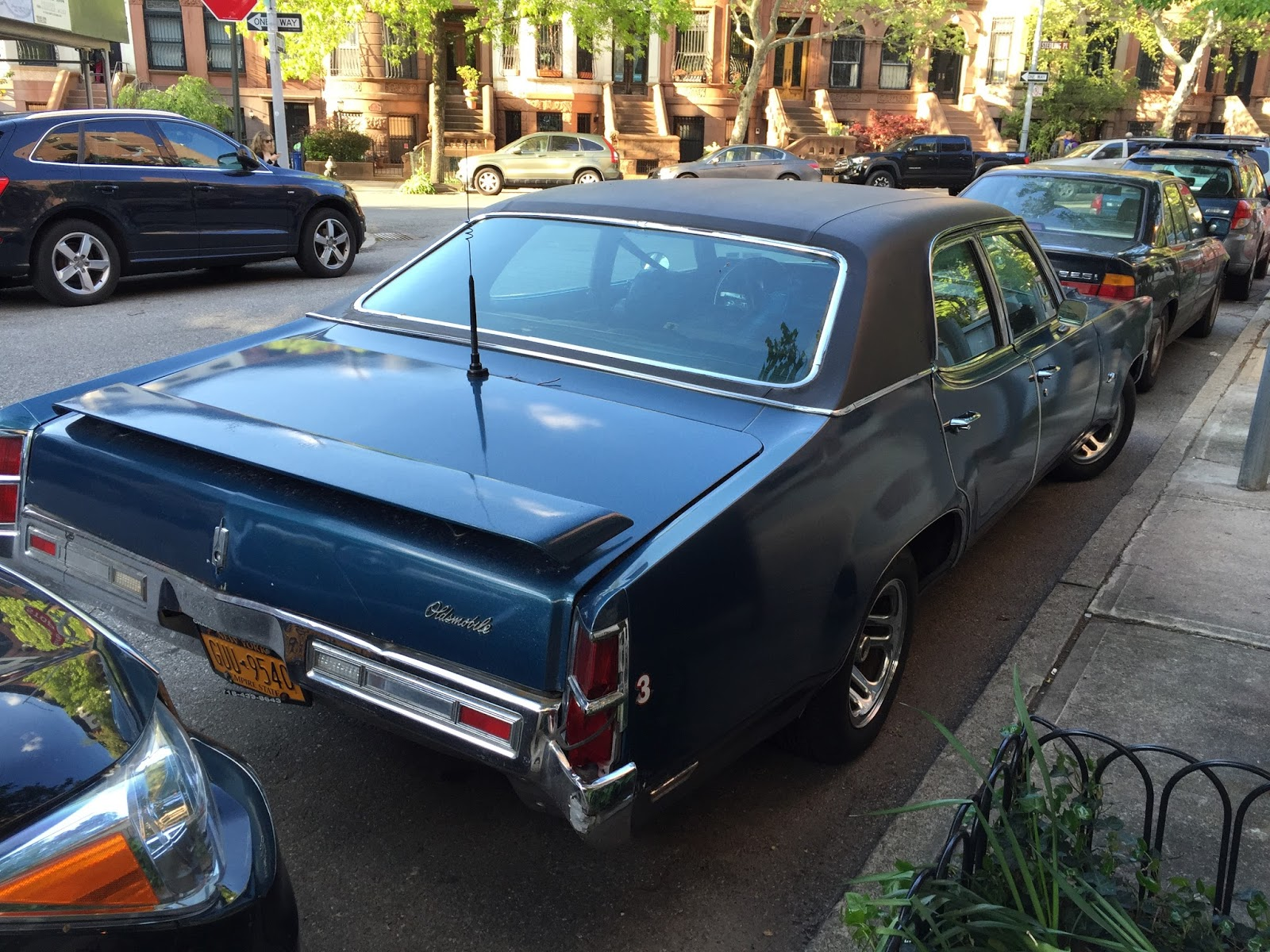 NYC Hoopties - Whips Rides Buckets Junkers and Clunkers: December 2016
