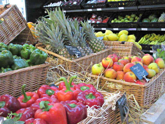 LIV organic & natural food market fresh fruit and veg