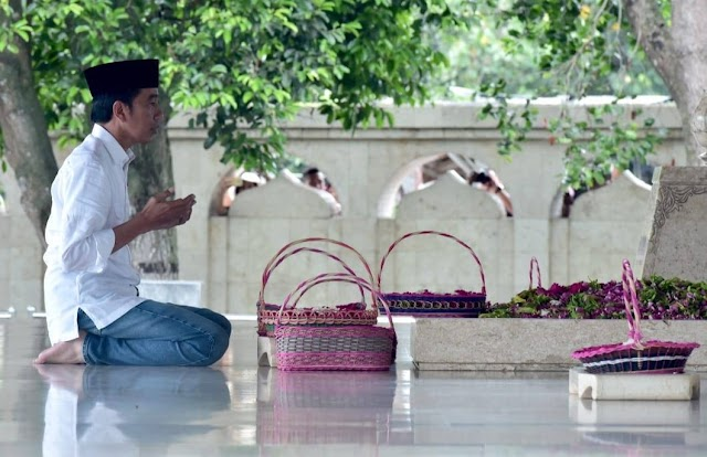 Presiden Jokowi Berziarah ke Makam Bung Karno