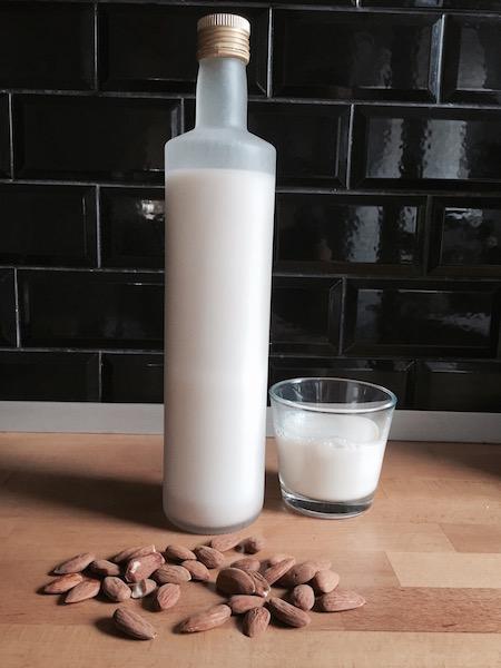 comment fabriquer du lait d'amande maison