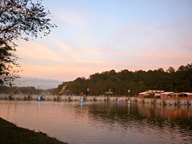 tomorrowworld fountain walkways
