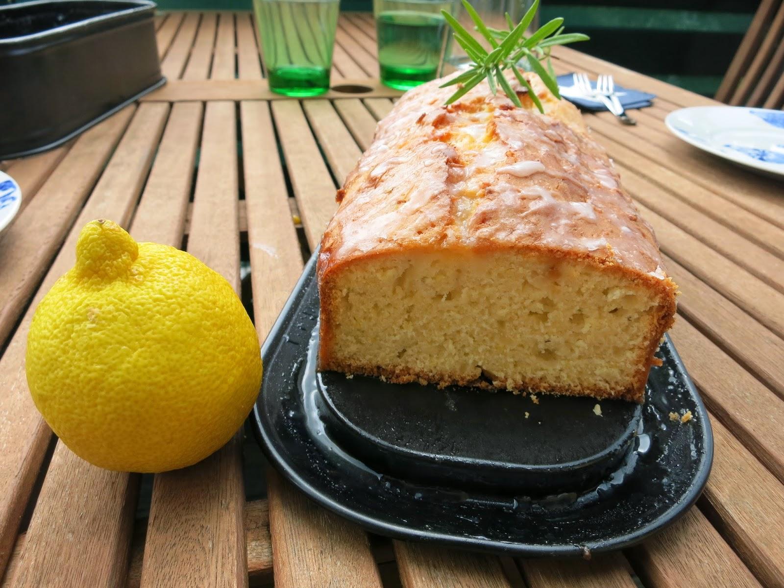 Isa Probiert Zitronen Ingwer Rosmarin Kuchen