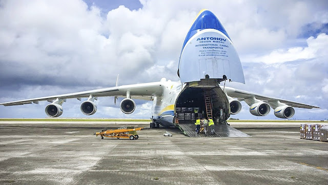 Antonov An-225 Mryia UR-82060 Kargo rampası