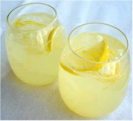 عصير الليمون يقضي على الصداع .