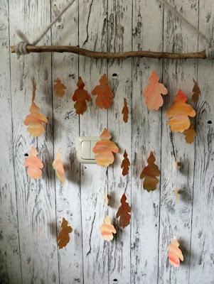 Herbstmobile aus Papierblättern geplottet