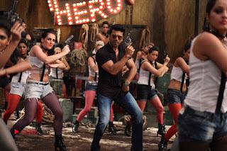 Ram Charan Teja Priyanka Chopra Super Police Tamil Movie Gallery  0008.jpg