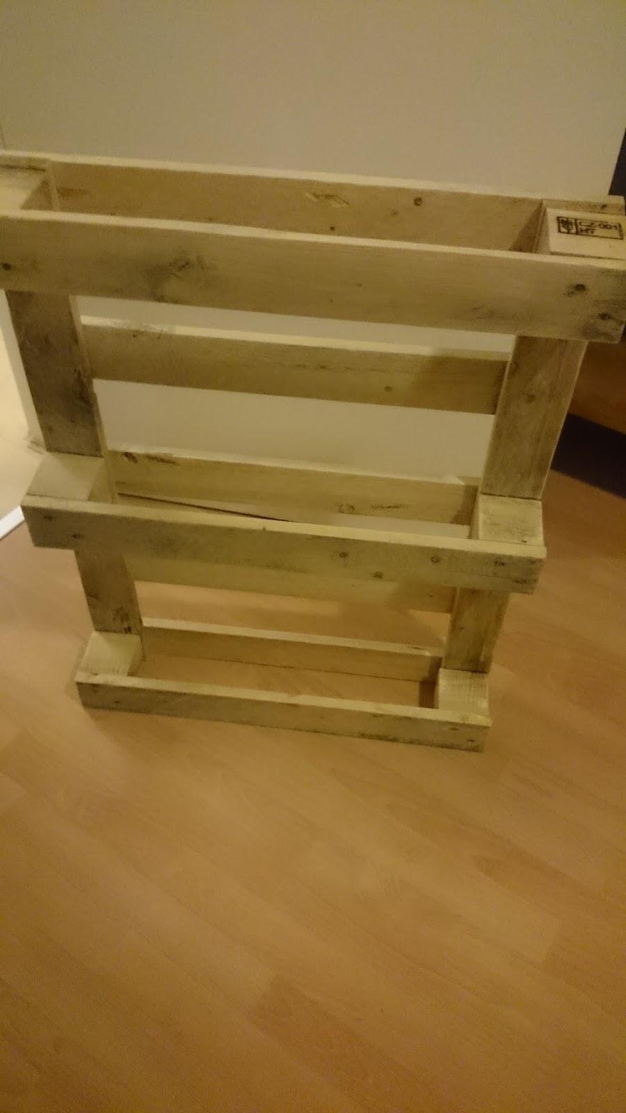 Reciclaje de palets de la obra a tu sal n carpinter a y - Reciclaje de palet ...