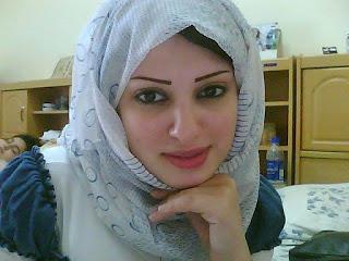 انسة مقيمة فى السعودية 23 سنة اريد الارتباط بشاب خليجى ميسور الحال