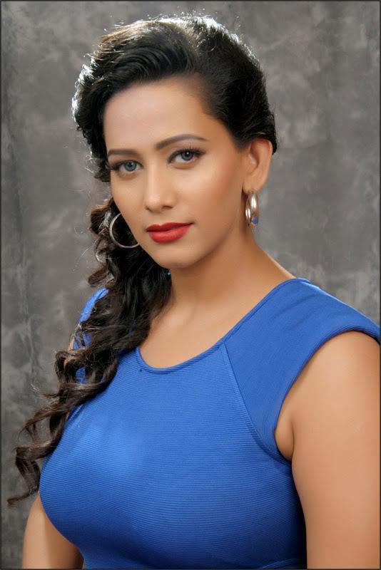 Sanjana Nude 64