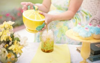 Wallpaper: Summer Tea Party
