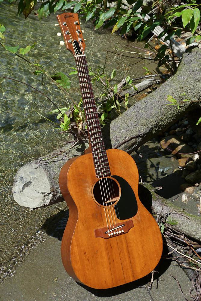 C1968 Gibson B 15 Concert Guitar