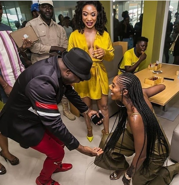 TiwaSavage Goes On Her Knees to Greet Veteran musician Sir Shina Peters