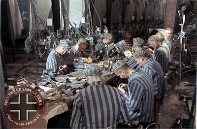 Resultado de imagem para fotos 2ª guerra campos de concentração armazéns