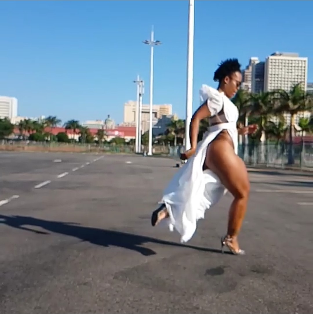 South African Pantless Dancer Zodwa Wabantu Steps Out With No Panties 11