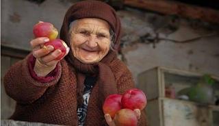 Οι φτωχοί είναι πιο γενναιόδωροι από τους πλούσιους, γιατί γνωρίζουν καλύτερα πως είναι να μην έχεις τίποτα