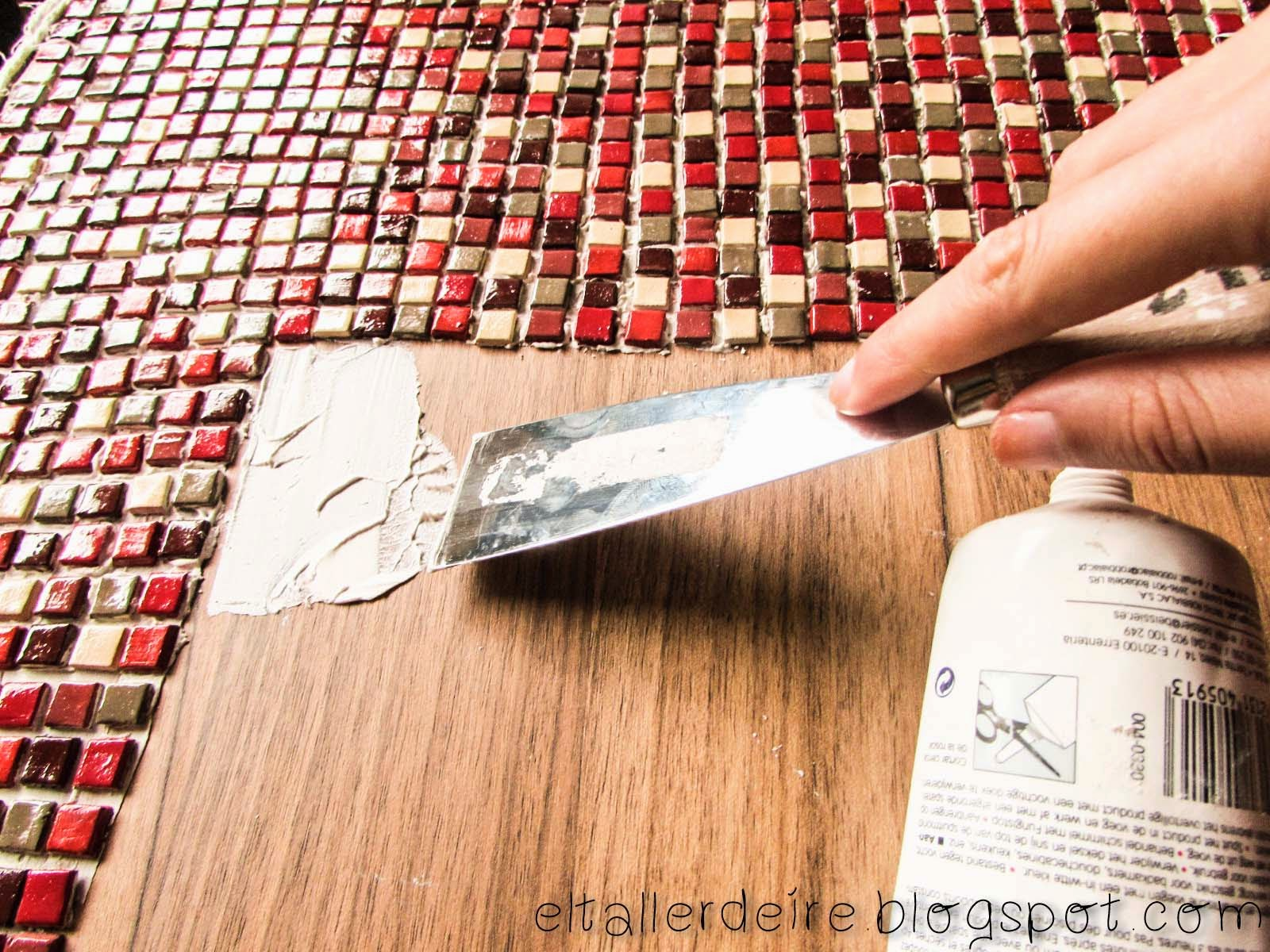 El taller de Ire: Cómo hacer un mosaico en una mesa