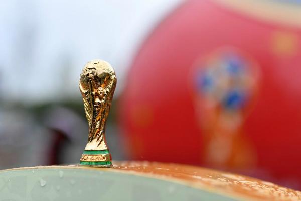تقرير: هكذا استفادت آبل من كأس العالم من دون مقابل!