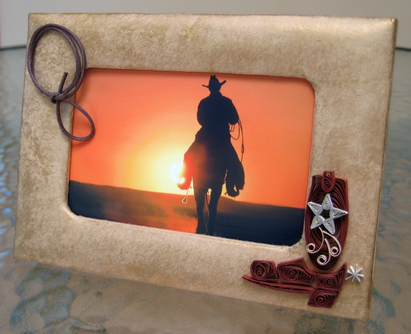 quilled cowboy boot and lasso on photo frame
