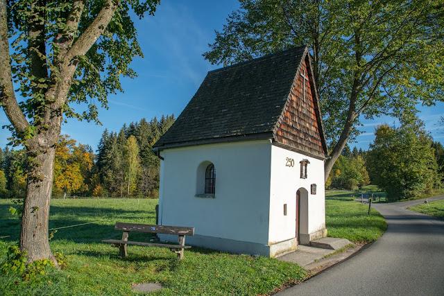 Rundweg Ohlstadt - Kreut-Alm  Freilichtmuseum Glentleiten Schwaiganger  Wandern im Blauen Land 03